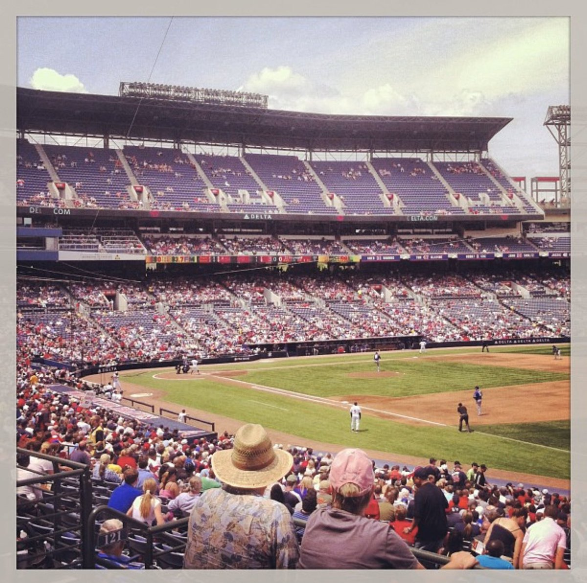 Found some old Turner Field photos the other day. Made so many great memories there. @Braves #ChopOn pic.twitter.com/d0JGXUW7Tj