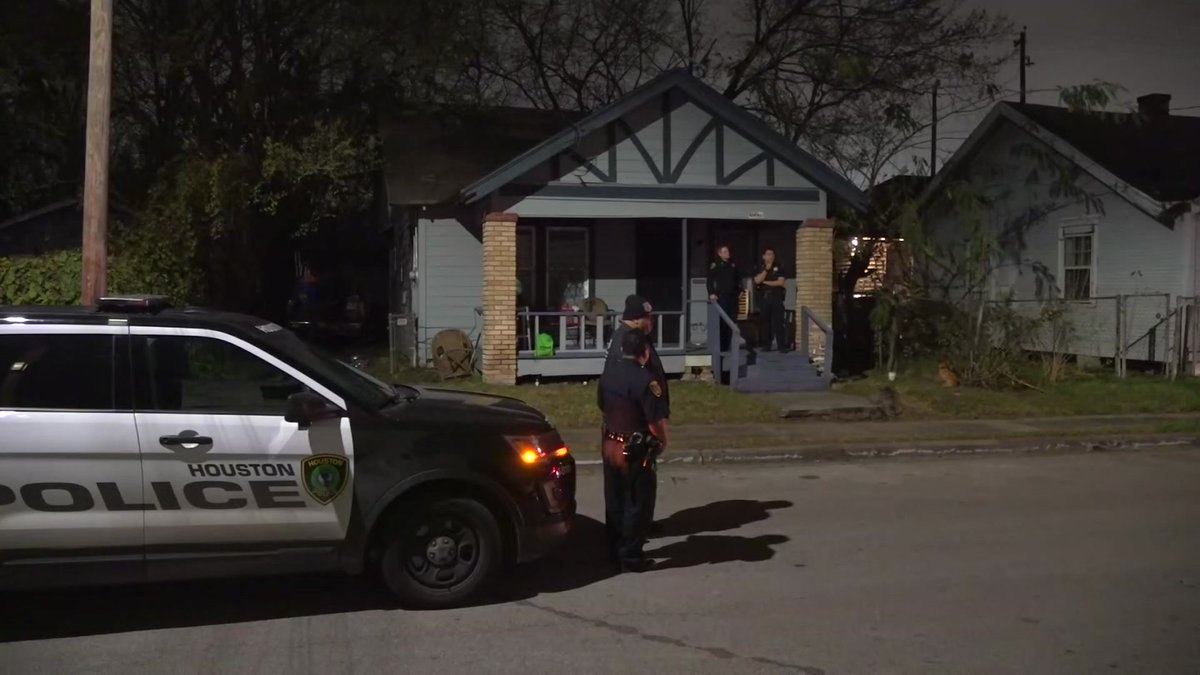 Police said a husband and wife were found dead from carbon monoxide poisoning at a southeast Houston residence Wednesday night.  #hounews #kprc2 #click2houston