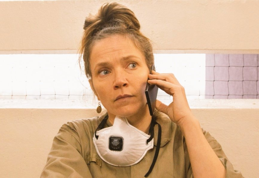 Binge watching #yearsandyears on my day off and yup, Edith Lyons (played with aplomb by Jessica Hynes) is still my hero <br>http://pic.twitter.com/CiVCH2m0Rc