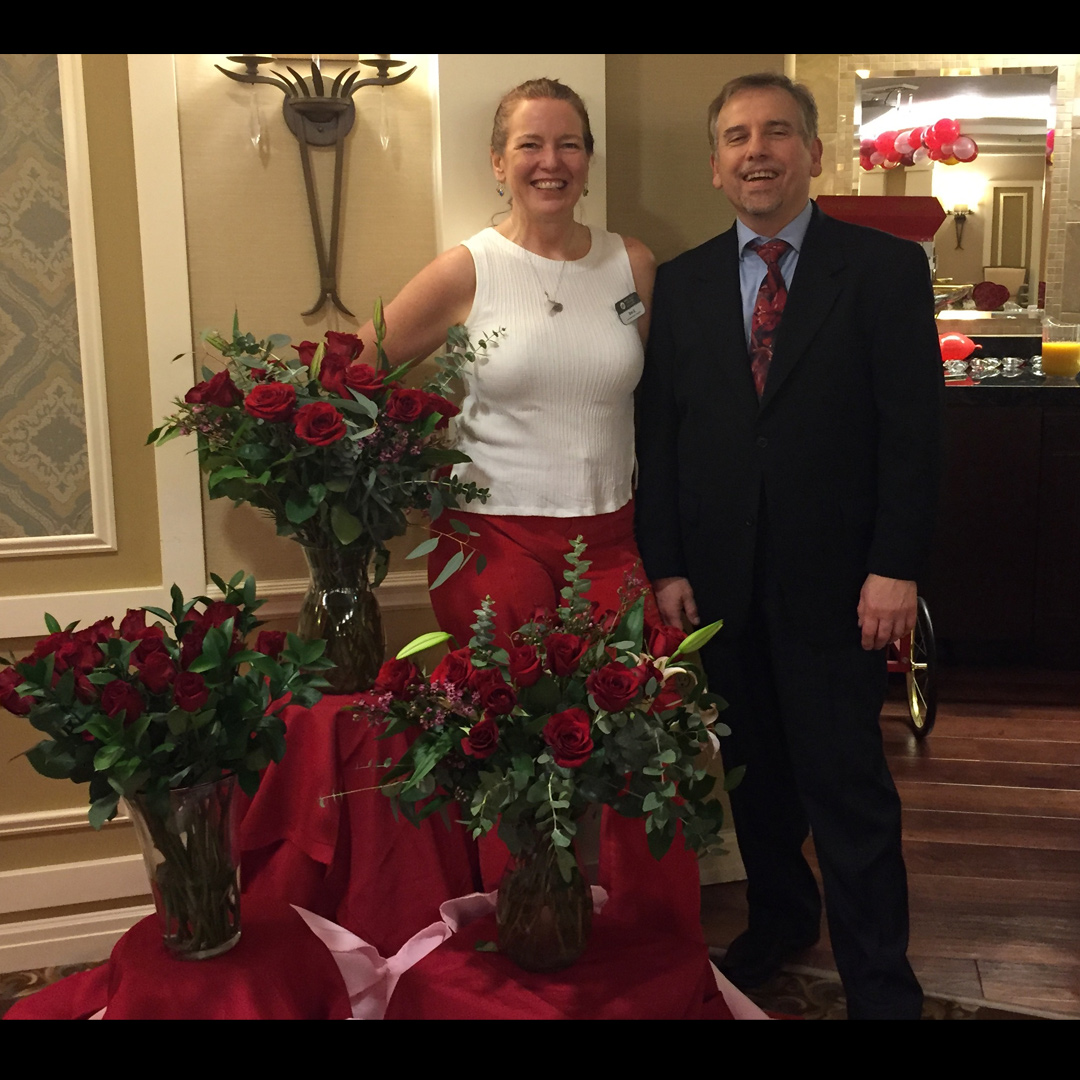 Last week at West Hills Village after the COOLEY Show Trio concert… what a great party! When I arrived the scent of Roses was so moving. All organized by Miss Erin Zelmer, Activity Director Extraordinaire.  #cooleyshow #tbt #crooner #vocalist #seniorliving  #entertainer pic.twitter.com/VGau2fSsnO