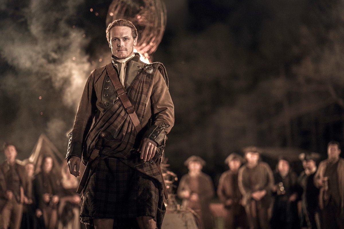 STAND BY MY HAND  Always⚔️🛡 #JamieFraser 🛡⚔️ #Outlander  #OutlanderS5  📸 @FFASiteTweets