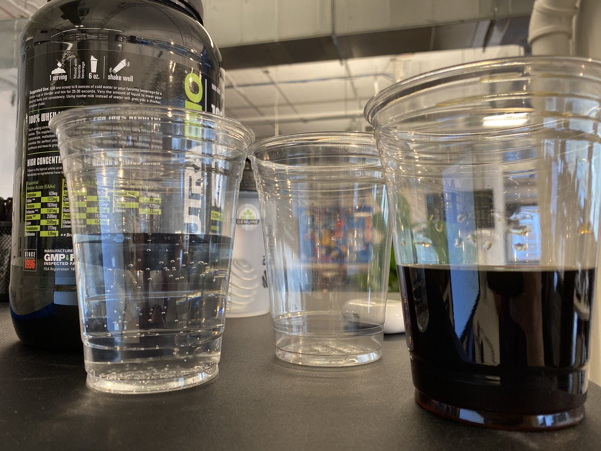 My life at work is nothing but consuming protein, energy drinks, caffeine & occasionally waterpic.twitter.com/gCGuCPy1QK