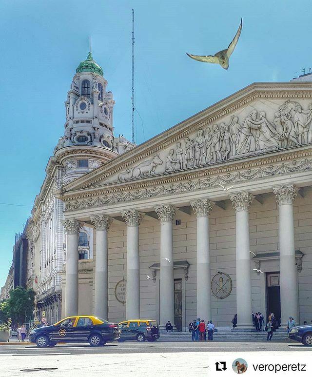 #Repost @veroperetz (@get_repost) ・・・ ¡Vuela alto, la ciudad es tuya!  #buenosaires #buenosairestravel #ig_buenosaires #ig_argentina #travelphotography #travelbuenosaires #buenosaires2020 #ciudad #argentina #paisajes_porteños_ok #paisajes_argentinos_… https://ift.tt/2T4FQGApic.twitter.com/ZL1rVTjTB9