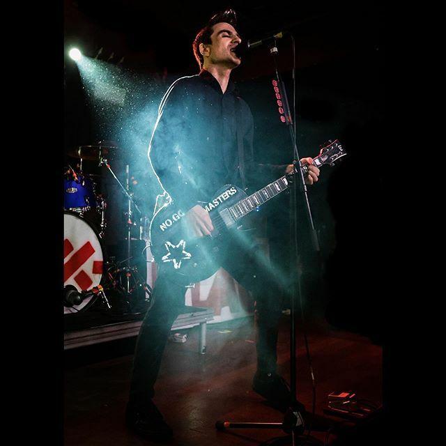 NO GODS, NO MASTERS @antiflag ******* ******* #antiflag #justinsane #nogodsnomasters #anarchy #anarchist #labour #punk #punkrock #punkband #punks #punkmusic #esp #espguitar #espguitars #espguitarsusa https://ift.tt/37IMIicpic.twitter.com/kH6zieOYiZ