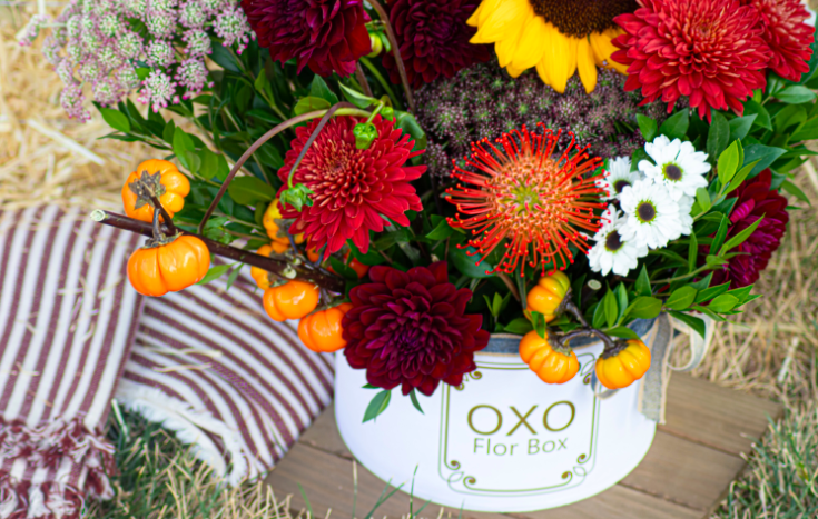 Here at @florboxoxo , we celebrate the season for flower dormancy and hibernation; the Fall season teaches us the valuable lesson of letting go to embrace change! Shop our Fall Collection at   #Florboxoxo #Flowerbox #FallFlowers #PumpkinSpice