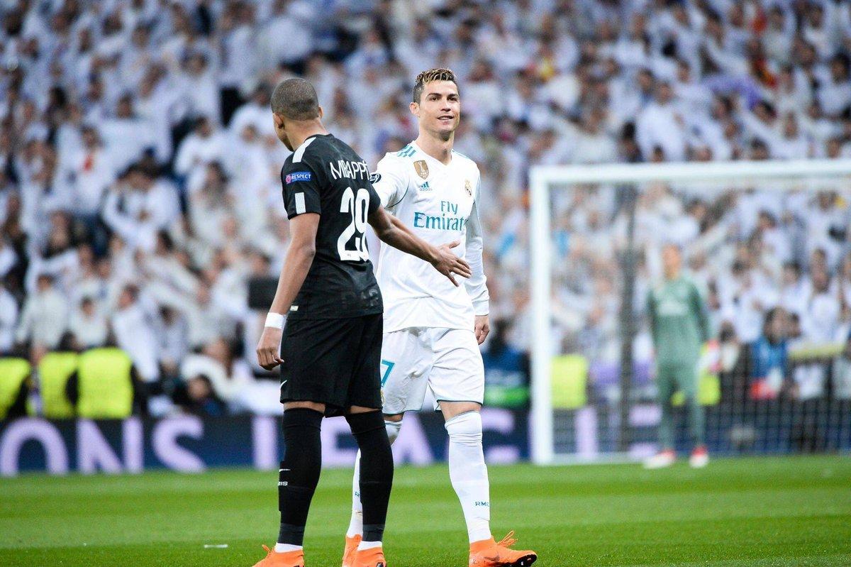"""""""Mbappé é o futuro e o presente do futebol. É um jogador fantástico e muito rápido."""" — Cristiano Ronaldo"""