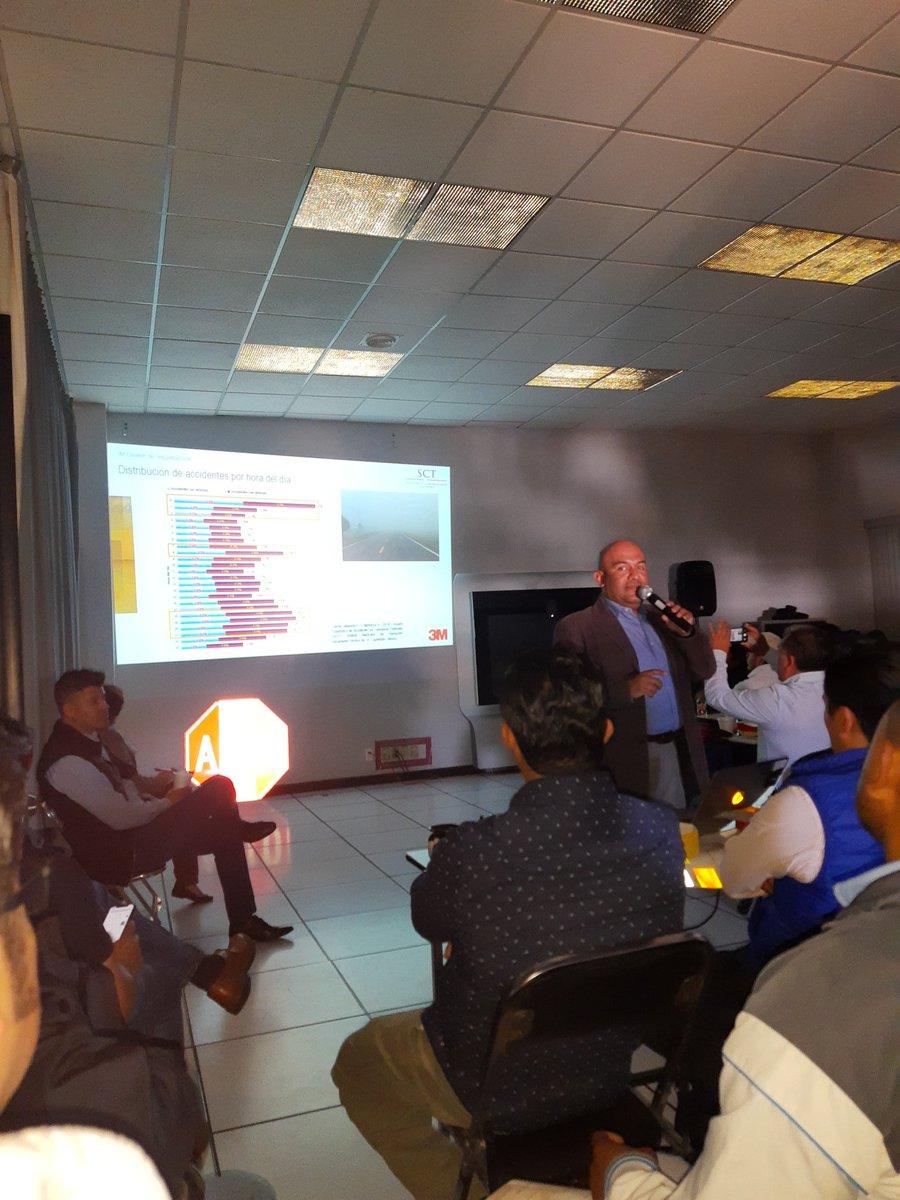 @SCT_Puebla @3Mmexico @SCT_mx  @4Senales  Principal objetivo... Brindar seguridad en nuestras vialidades  http://www.4senales.com