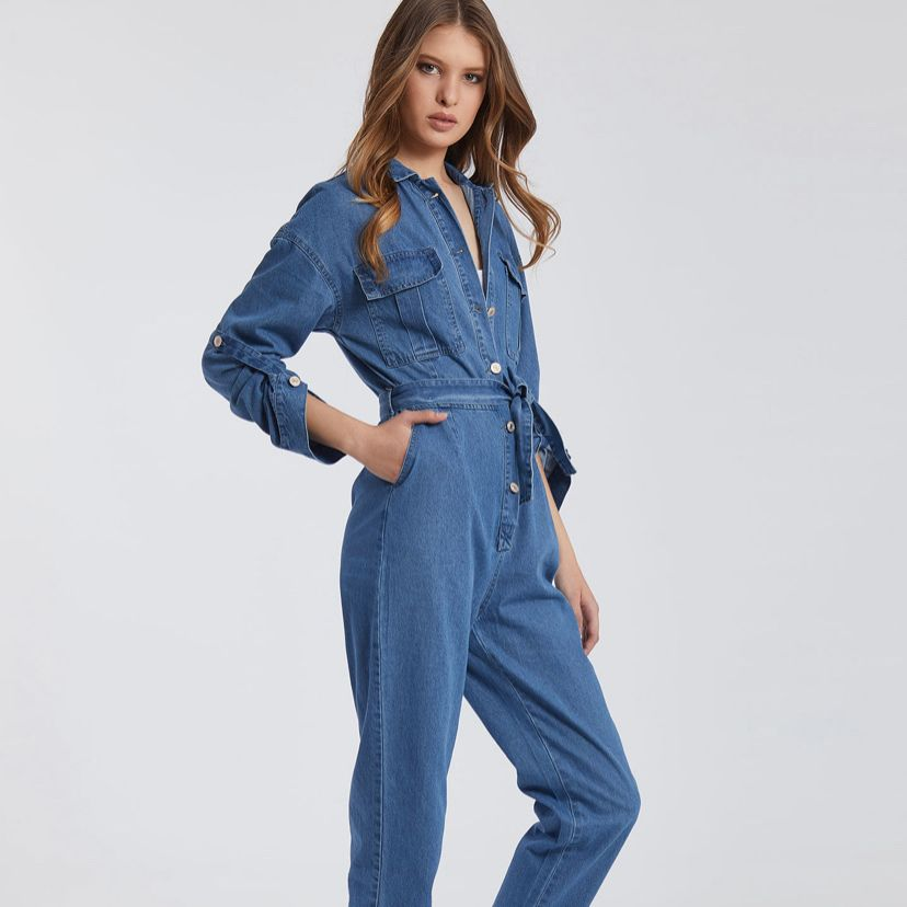 The every day jumpsuit #bestsellerhttps://buff.ly/2V0XdL6 #jean #jeanswear #jeanjumsuit #jumpsuits #ootd #outfitoftheday #outfits #bluejean #everydaylook #lookbookpic.twitter.com/i3outiGYxZ