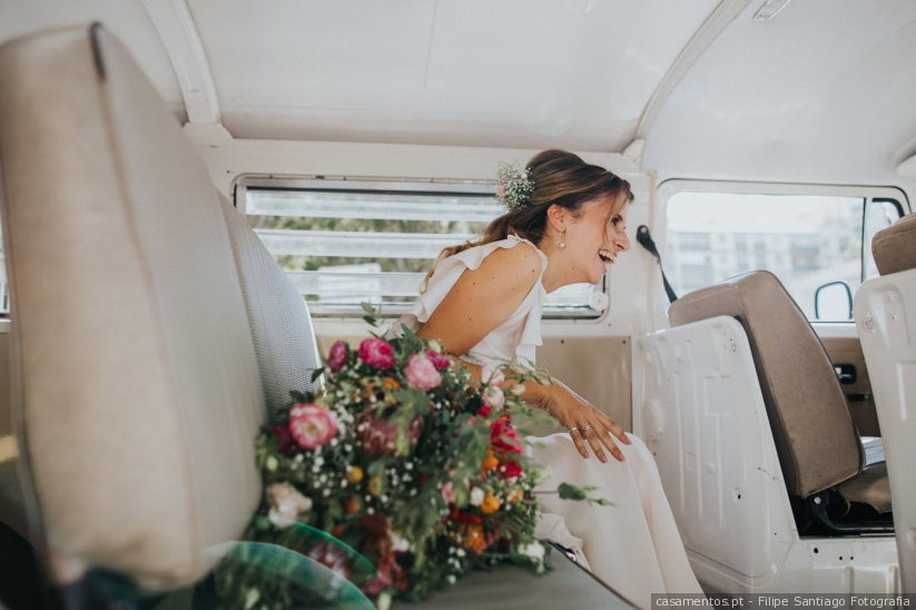 O toque de humor que faltava nos teus convites de casamento! http://ow.ly/xzvn30qgyW6pic.twitter.com/JdpmGRB3Hl