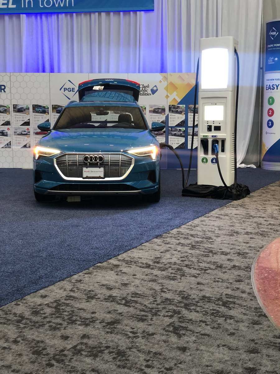 Remember, #Oregon households are eligible for clean vehicle #rebates when buying or leasing battery-electric or plug-in hybrid #electricvehicles. Come visit DEQ & @ForthMobility this weekend @PDXautoshow for more info or go to https://t.co/AipuLY6sOz. #EVs