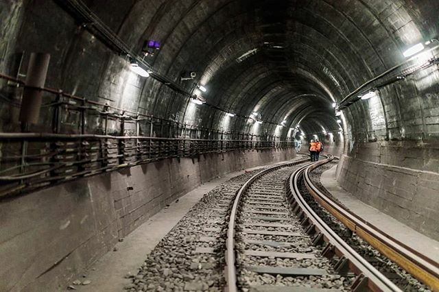 #Inspection of #Klostertunnel, a #Berlin #subway #tunnel connecting #U2 with lines #U5 and #U8 . #weilwirdichlieben #visitberlin #germany #deutschland #iloveberlin #bvg #myberlin #berlin030 #instaberlin #berlinerubahn #architecture #metro  #undergr… https://ift.tt/2STnoR6pic.twitter.com/2XyZH2XD4J