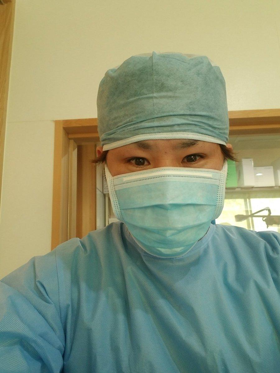 昨日のインプラント手術ちょっと難しかったけど、出来としては過去最高でした🎵患者は腫れも痛みも全く出なかったそうで良かった×2🌈🌈