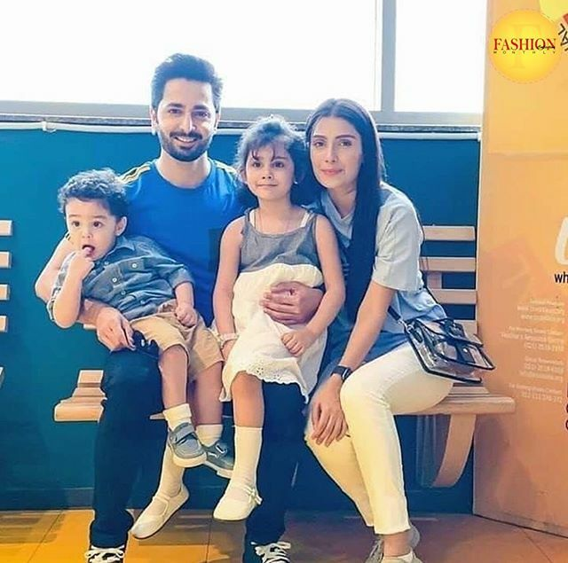 Complete and perfect family😍❤️ GOALS . .  #Fcmag #Pakistan #Family #couple #2020 #perfect #pakistani #Streetstyle #tagsforlikes #instaglam #streetstyle #stylish #ootd #instaglam