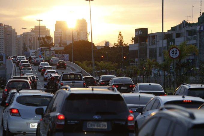 @MInfraestrutura  institui Grupo de Trabalho para atualização e consolidação do Manual Brasileiro de Fiscalização de Trânsito https://bit.ly/2SGrk99pic.twitter.com/bW2F9UAePh