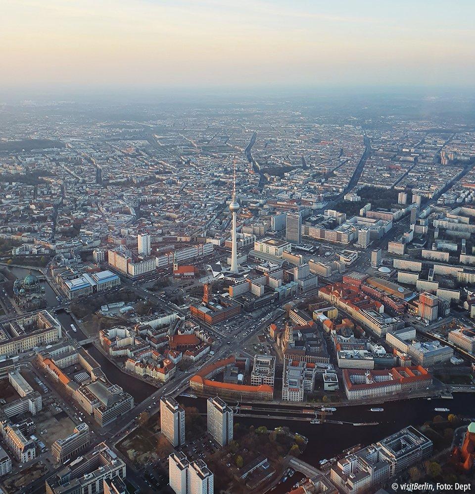 Wie würdet ihr einen perfekten Tag in #Berlin verbringen? #visit_berlin #thattoweragainpic.twitter.com/xoXdyykPg6