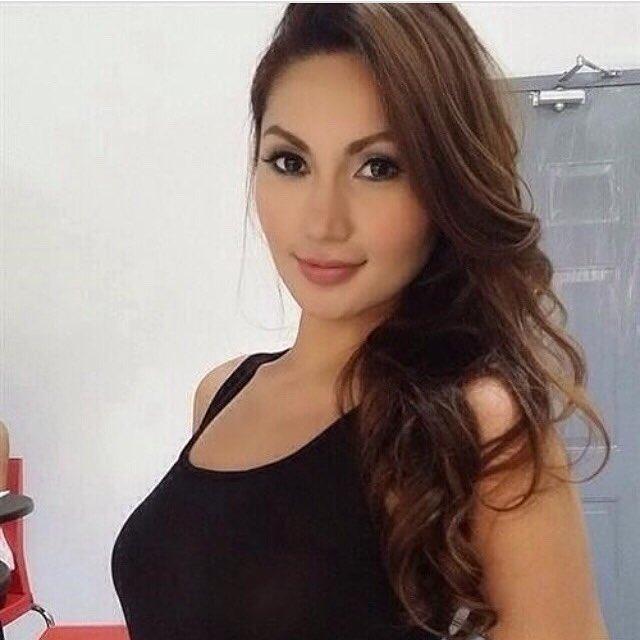 I love to laugh. Want to find a real gentleman. Click https://millionairematch.com/i/usaglobe to contact. #richwomen #wealthywomen #prettywomen #usagirls #richlady #singlelady #singlegirl #luxurywomen #wealthylifestyle #truelove #lookingforlove #attractivewoman #meetnewfriends #sexy #sexywomenpic.twitter.com/vPL6qAs0xA