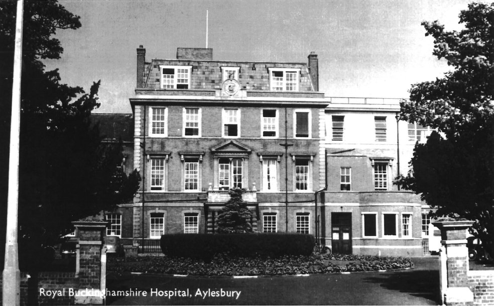 Today is Thursday which means we are continuing #throwbackthursday series with an old photograph of The Royal Buckinghamshire Hospital, this photo isn't as old as the ones we've posted however you get a clear view of how grand this historical landmark looks. #healthcareuk #ukihma https://t.co/i6Zt3Cqbex