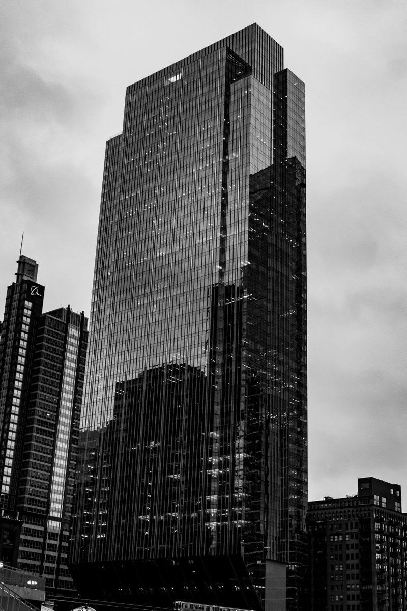 Photo: 150 N Riverside Camera: Sony a6000 w/ kit lens' Location: Chicago, IL IG: https://www.instagram.com/drd.images/ Buy My Photos: https://dan-dunn.pixels.com/ • • • #150NRiverside #skyscraper #mychicagopix #insta_chicago #artofvisuals #chicagoig #citykillerz #chicagoland #chicagogrampic.twitter.com/nDysa8yZ1n