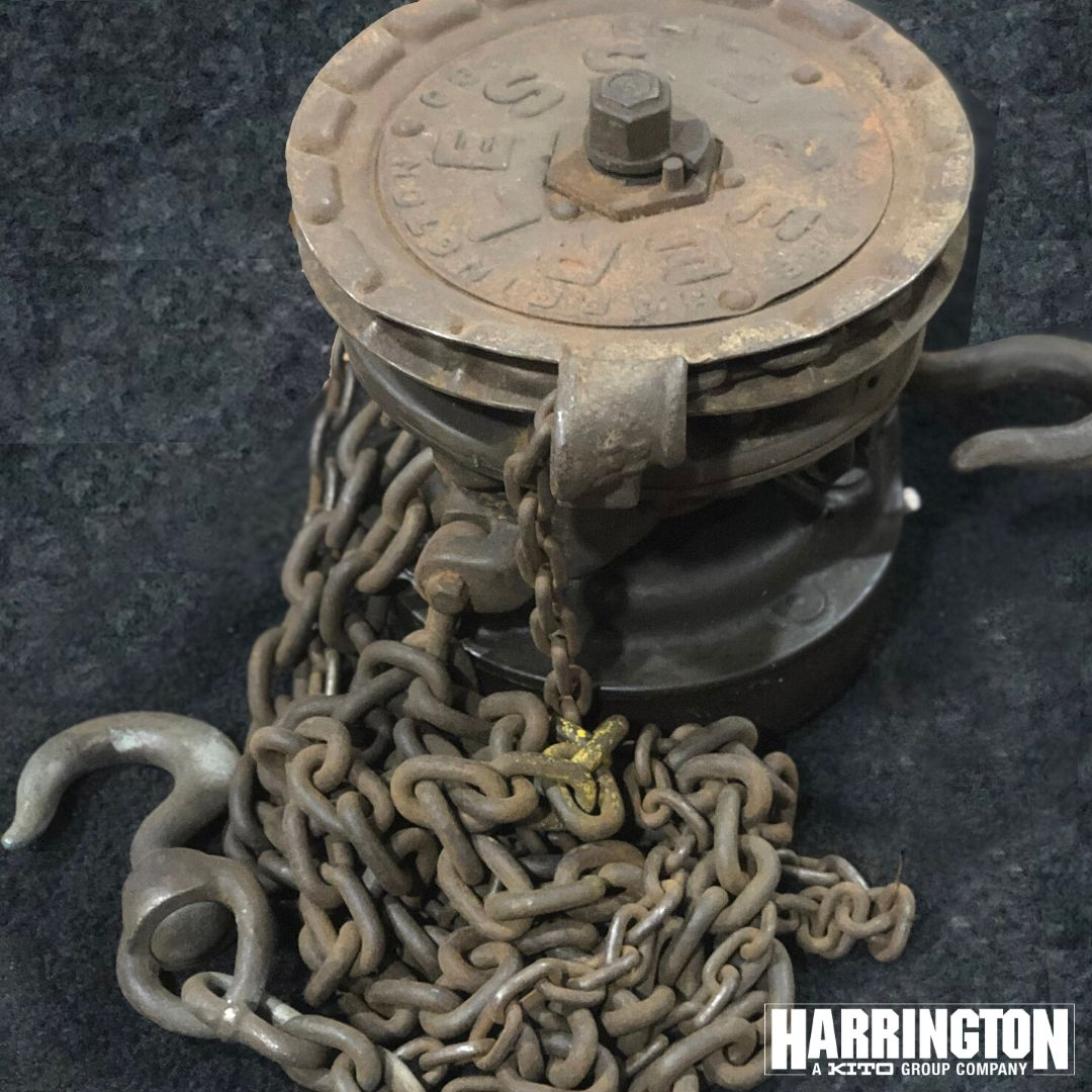 Harrington's antique manual chain hoist, complete with chains and hooks, is proof that our products stand the test of time. Did you know that Harrington has been around since 1867?   #HarringtonHoists #materialhandling #liftingequipment #manufacturing #antiquetools  #hoistspic.twitter.com/DVNeT19ROG