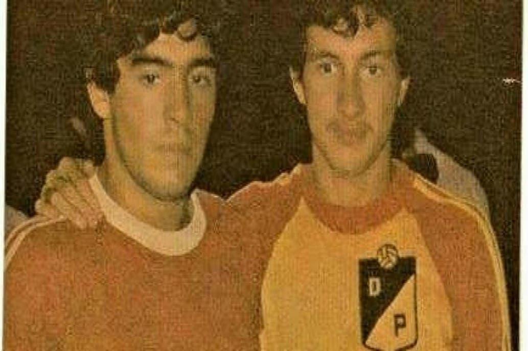 #Fútbol | Hace 40 años, Diego Armando Maradona hizo en Colombia el mejor gol de su carrera: fue con Argentinos Juniors en un amistoso ante Deportivo Pereira http://bit.ly/32aPLP6pic.twitter.com/xkbN30H0MG