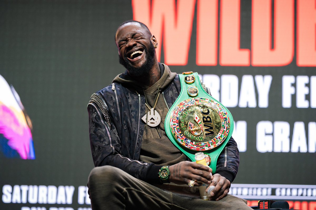 When old pillow hands says he gone knock me out in 2 rounds. 😂🤣 #WilderFury2 #BombZquad @Tyson_Fury https://t.co/QORBTWdEx3