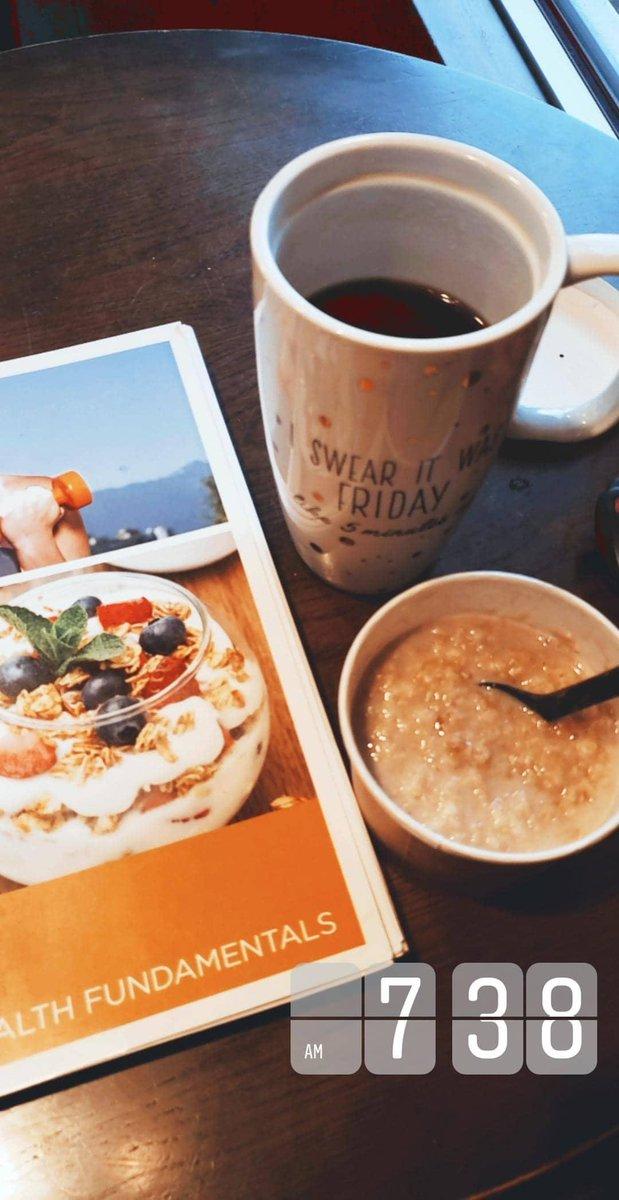 Morning things#holistichealth #holistichealing #nourishyourbody #onlinecoach #HealthyLiving #morningvibespic.twitter.com/K9XTvZ319c