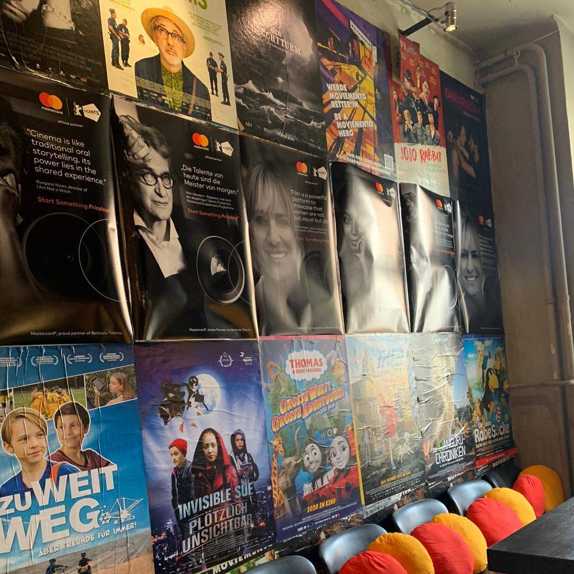 """.@schmitzengels """"Warum wir uns für #MoviementoHero engagieren? #Mastercard unterstützt seit Jahren Kino und Kinokultur, wir sind Partner der @Berlinale und agieren als Global Player immer mit lokalem Ansatz - in unserem Kernbusiness und bei Initiativen, die wir unterstützen""""pic.twitter.com/NBeAORRZai"""