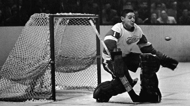 легендарный вратарь хоккея канады фото форму