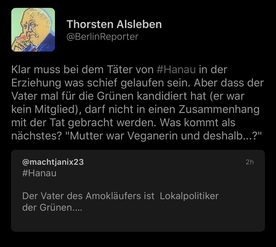 """Och najoa, @BerlinReporter. Selbst im Film """"Er ist wieder da"""" wird richtig erkannt dass Hitler heuer höchstwahrscheinlich Grünen-Wähler wär. Hattest damals ne ähnliche Vegetarisch-Spirituell-Yogabullshit-Welle in Europa. Die haben nich ohne Grund buddhistisches Symbol ausgesucht pic.twitter.com/SDG7s6LxvY"""