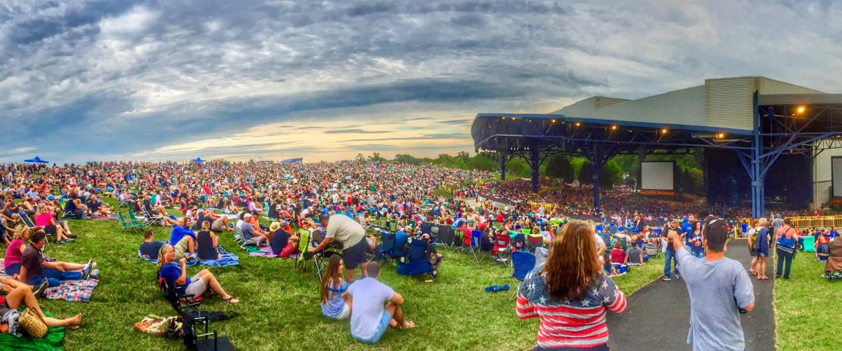LOOKING FOR THE HOTTEST SUMMER CONCERT SERIES AROUND? @JiffyLube_Live hosts some of the biggest names in the music industry at its 25,000-seat outdoor amphitheater. Check out the 2020 Concert Series: https://www.visitpwc.com/blog/post/jiffy-lube-live-2020-summer-concert-series/…  #DC #NoVA #VisitPWC #PrinceWilliamCounty #JiffyLubeLivepic.twitter.com/xyUxo51xDo