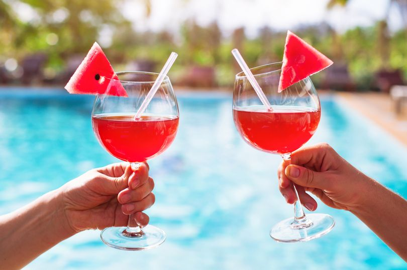 Majorca and Ibizas booze ban explained including Brits who could be exempt mirror.co.uk/travel/news/ma…