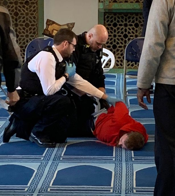 London Mayor says acts of violence in city will not be tolerated after stabbing in Regents Park mosque mirror.co.uk/news/uk-news/b…
