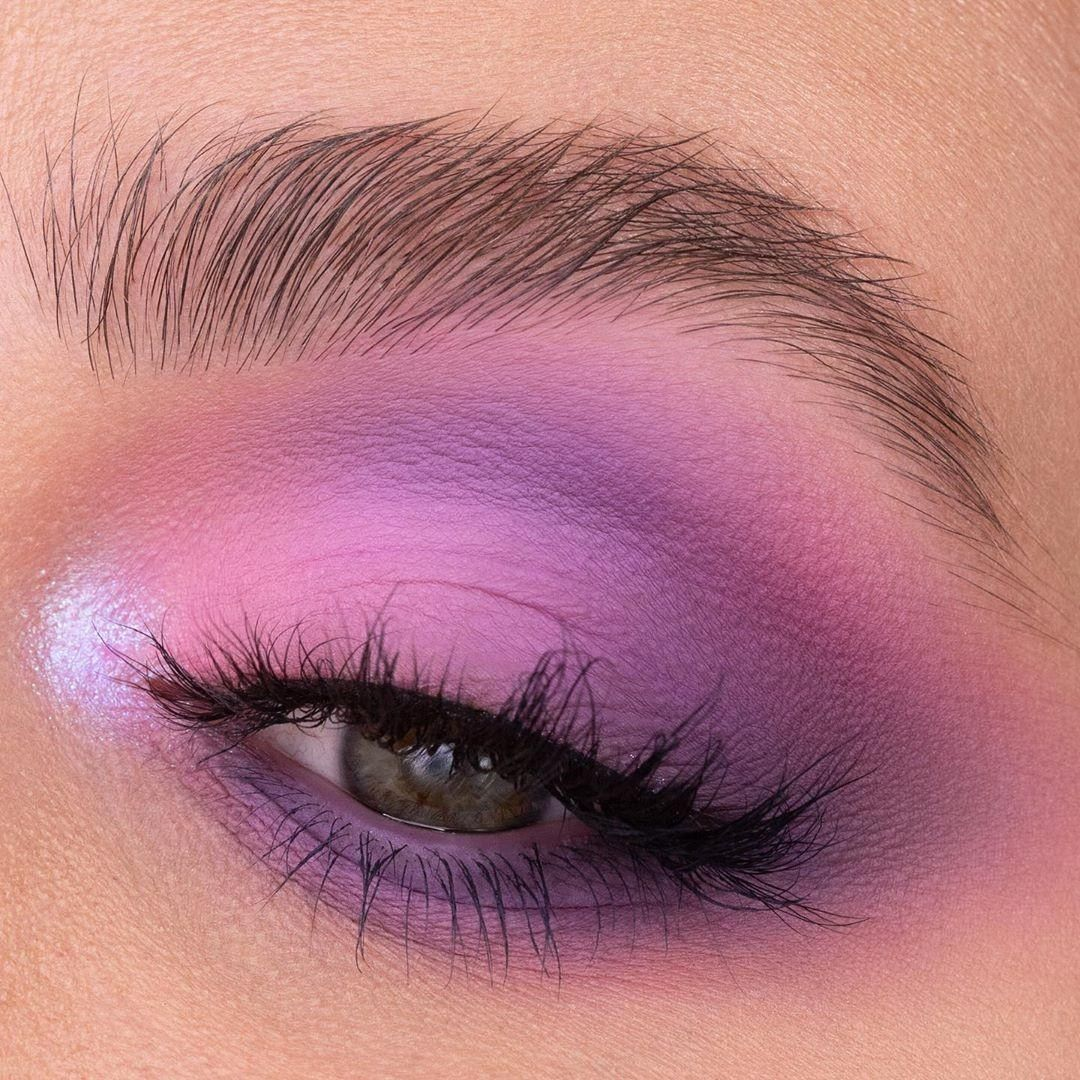 The romance is real with this one! 🌸🌸#MorpheBabe Chiara (IG:lavieencosmetiques) is setting the vibe for SPRING w/ this luscious multi-blended fantasy she created using the #NablaCosmetics Secret Palette.   Shop #NablaCosmetics in Morphe stores + http://Morphe.com!