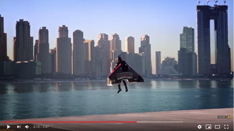 Jetman, l'avion humain http://dlvr.it/RQQlFr