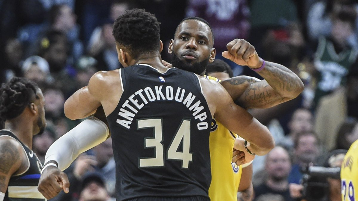 Would LeBron James Take A Pay Cut For The Lakers To Bring In Giannis Antetokounmpo? #LakeShow #LosAngelesLakers #LosAngeles #Lakers #FearTheDeer #MilwaukeeBucks #Milwaukee #Bucks #NBA #NBAtwitter #LeBronJames #GiannisAntetokounmpo  Read More- https://bit.ly/2wzB24Cpic.twitter.com/xaw4rQNqH9
