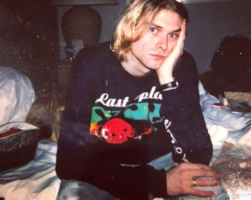 Happy birthday to Kurt Cobain who is single handedly responsible for every art student s taste in men