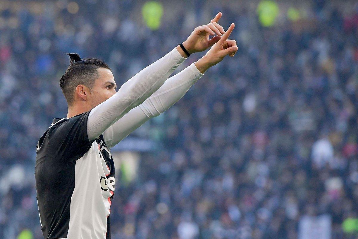 """""""Trabalhem duro. A luta é cansativa, mas chegar ao topo é prazeroso."""" — Cristiano Ronaldo"""
