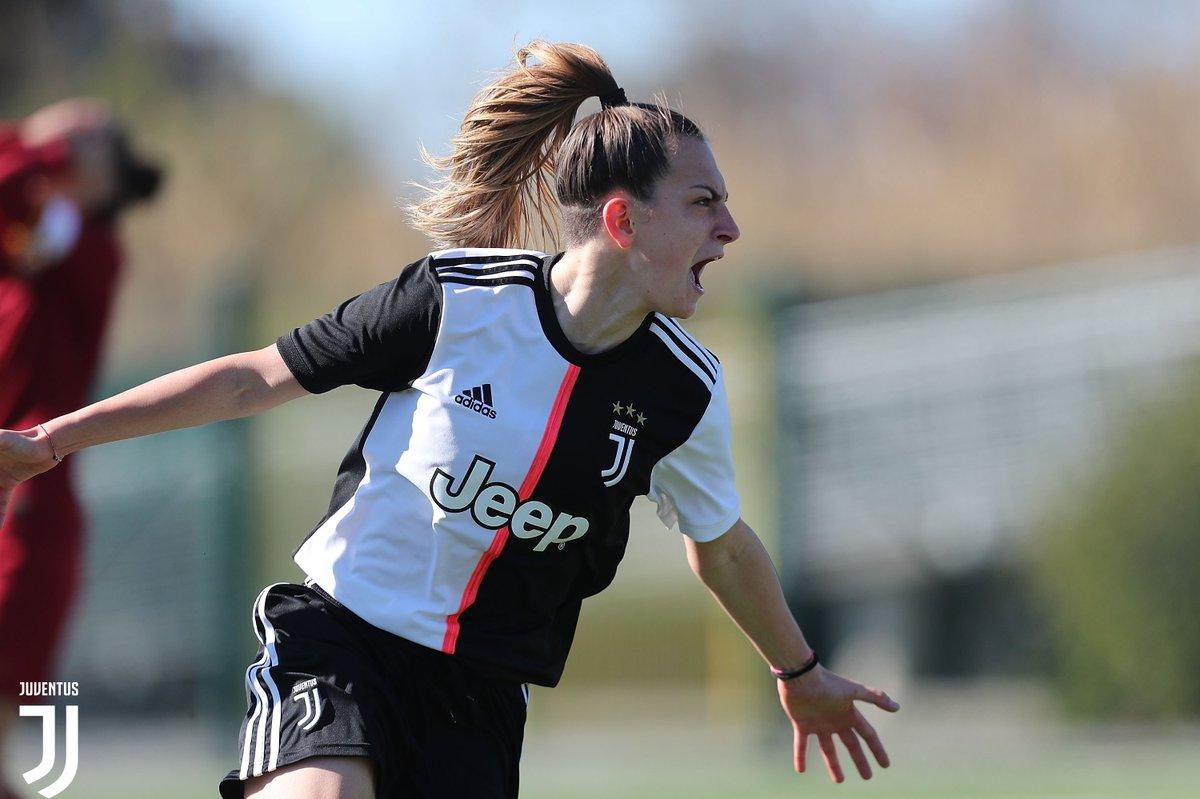 Ancora👏per Alice Berti, premiata miglior giocatrice della #ViareggioWomensCup ⚪️⚫️