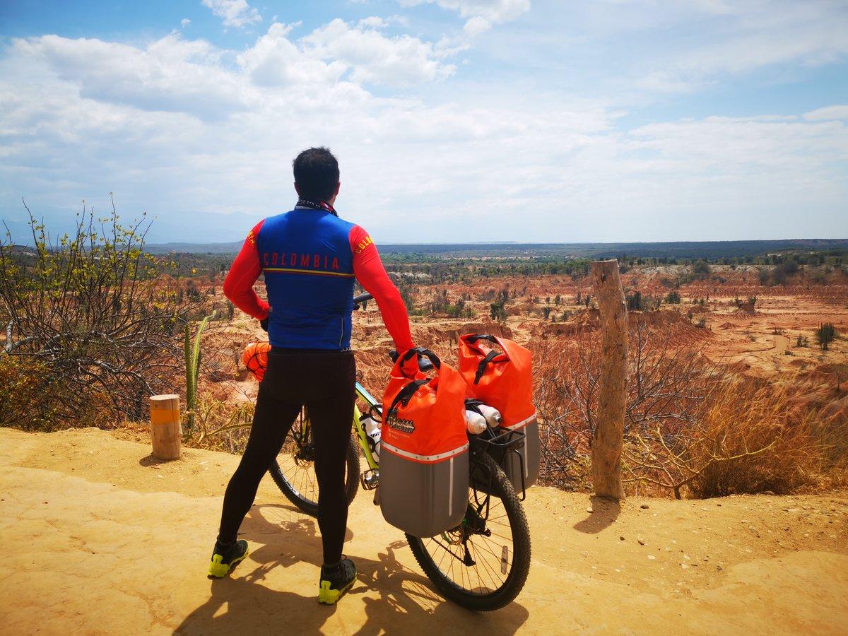 La magia de 'Yararaca'. Uno de mis objetivos en la Cicla era conocer el desierto de la Tatacoa. Su magia, esplendor y encanto cumplieron las expectativas.  Seguimos rodando en bicicleta por Sudamérica. 🚲🌎  👉   👉