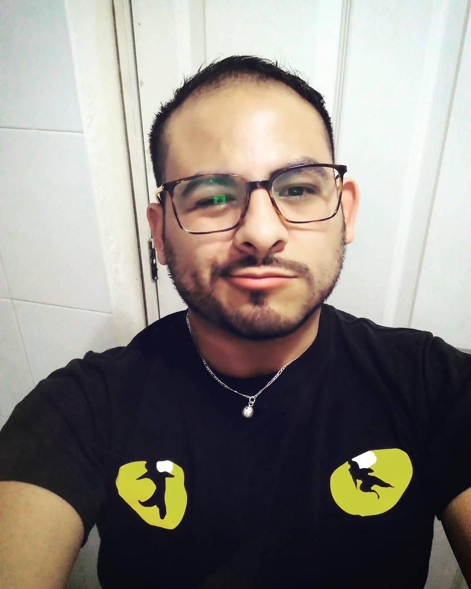 El cuarto de siglo te sienta bien Carlitos #hbdtome#25Winters #25aniversario #birthdayboy#licantropo #4everyoung #pisciano#labarbaeselrey #king#gayhot#wolf#woof#hairyboy #beardedgays  #mensonly  #Pedregalero pic.twitter.com/LMnwwSOqTw
