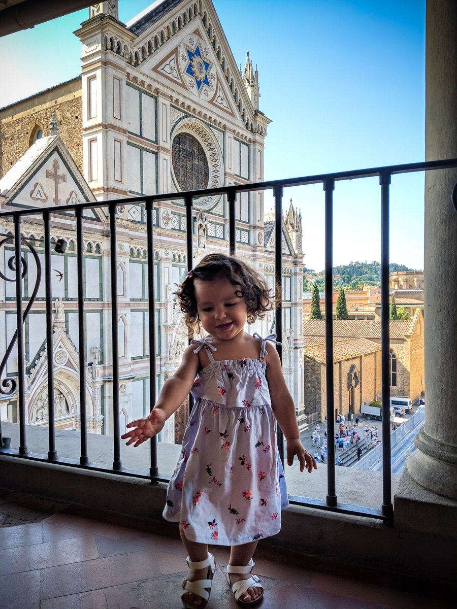 When the view from your balcony is Visit our blog http://www.CarryOnWithKids.com  #carryonwithkids #santacroce  #santacroceflorence #visitflorence #florencecity #florenceitaly #florencewithkids #beautifulflorence #italywithkids  #balconyviews #travelwithkids #travelfamily #familytravelpic.twitter.com/ICN1NoPxA5