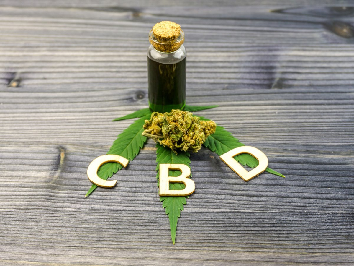CBD has a positive impact on the heart and circulatory system. It lowers blood pressure and decreases the risks of some health conditions such as stroke and heart attack. #cbd #cbdbenefits #cbdfactspic.twitter.com/xx7rBazHXD