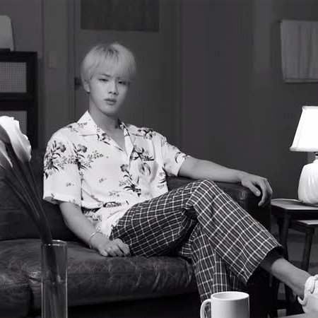 """Jin, Epiphany: """"I am the one I should love in this world""""  Jin, ON: """"Can't hold me down cause you know I am fighter""""  Legend Jinpic.twitter.com/IAhlq3XDz4"""