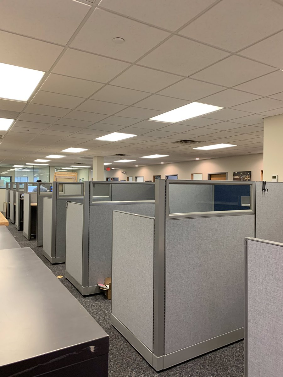 Look how great these #cubicles Janet work with a client on came out? Visit http://www.joycecontract.com to learn more #design #spaceplanning #cubicledesign #privateoffice #openoffice #collaboration #bostondesign #commercialfurniture #commercialdesign #bostonfurniture #bostonrealestatepic.twitter.com/ZayylTTnPL