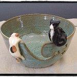 お茶がこぼれる器の正体とは!?ネットで発見した可愛らしいネコの器には割れ目があったw毛糸を入れる器毛糸ボウル!?