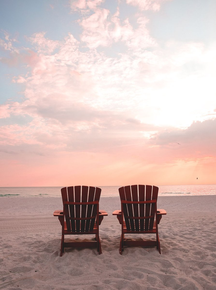 Thanks for following us around #Sarasota today! The @RitzCarlton welcomes you to enjoy our coastal charm and rich history – we'll save a beach chair for you. pic.twitter.com/a7JKKGur3E
