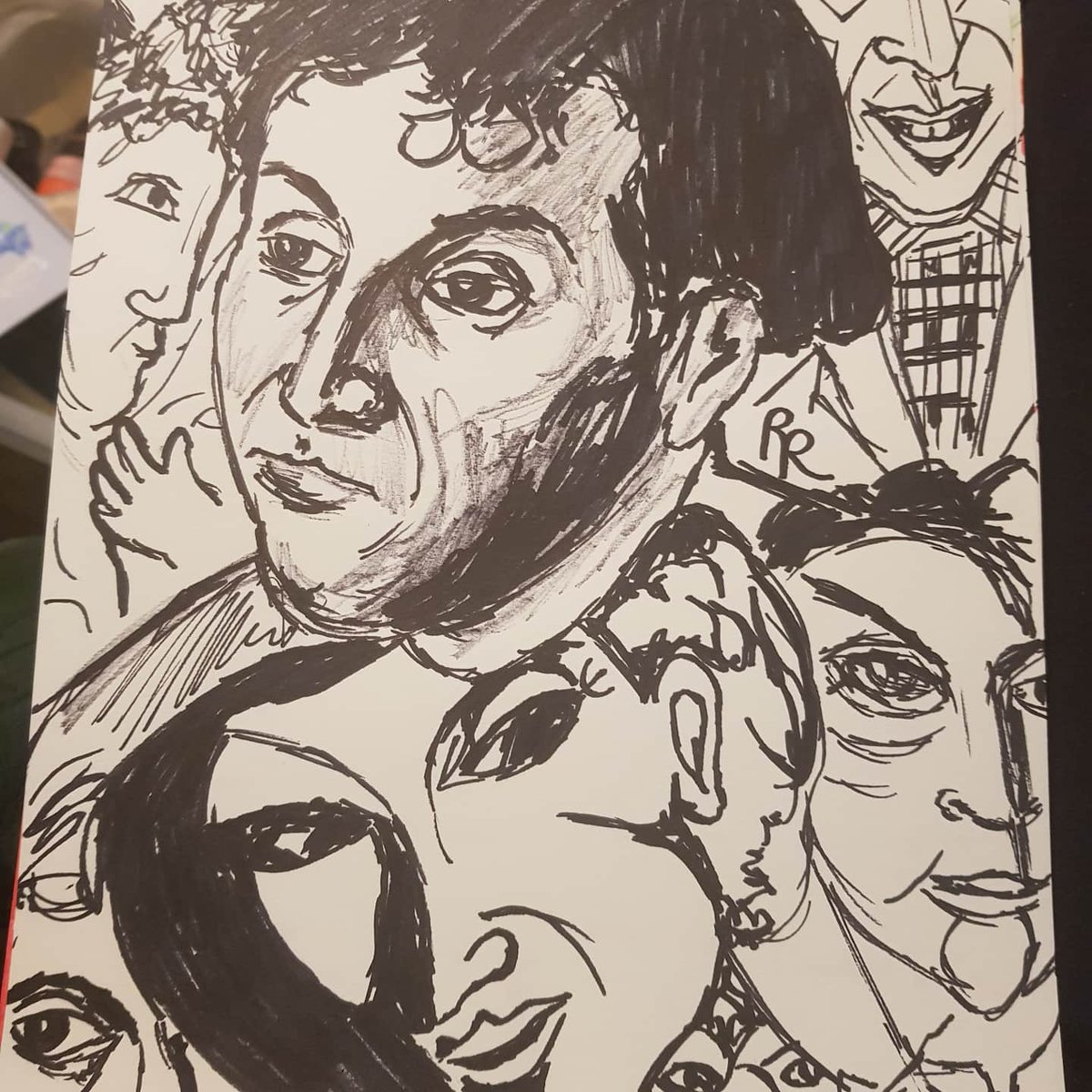 Weird artist portraits renoir, chagall and picasso pic.twitter.com/OjyNKVrP5t
