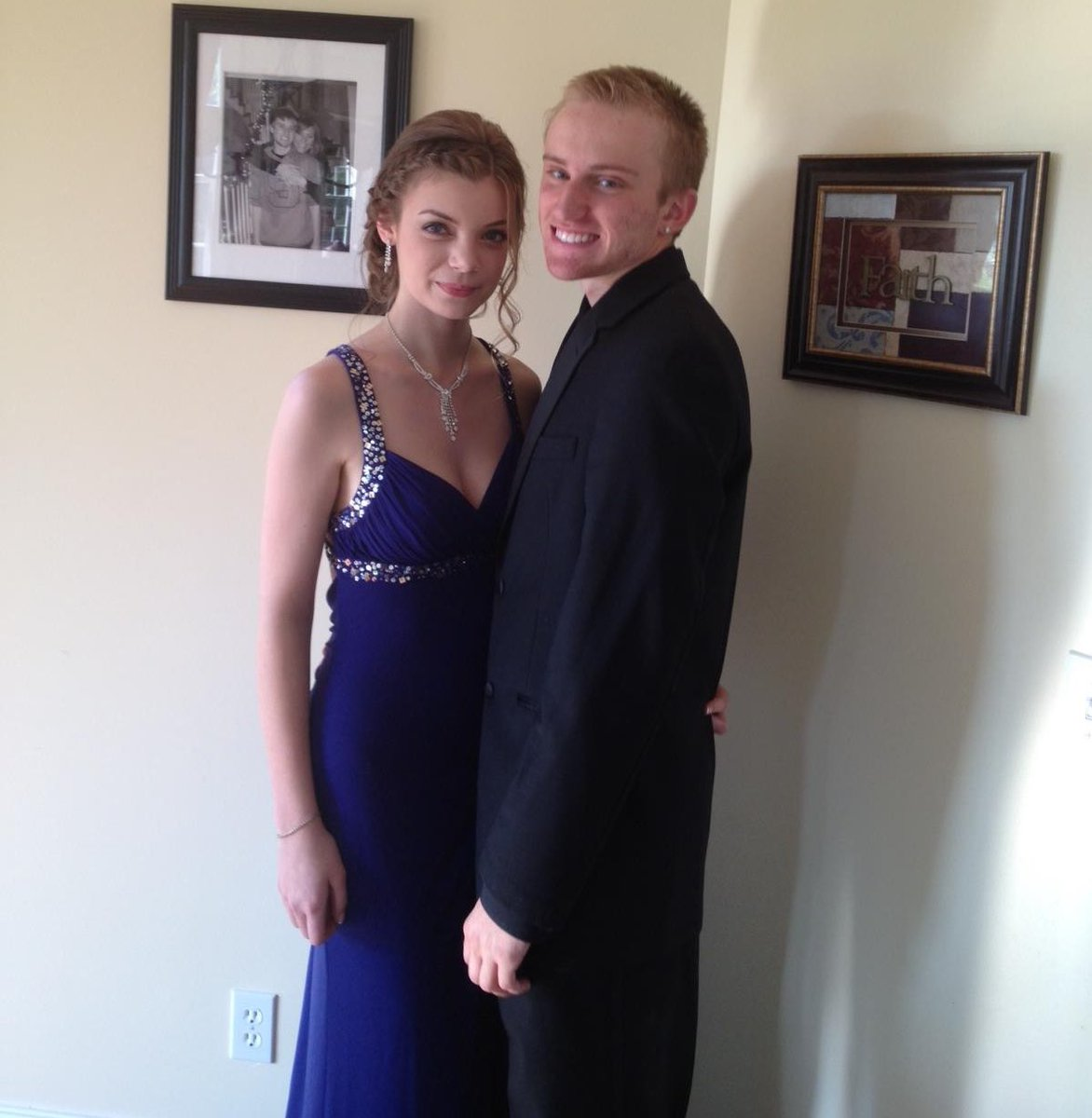 Found this gem from my prom pic.twitter.com/xaqcl90sIt