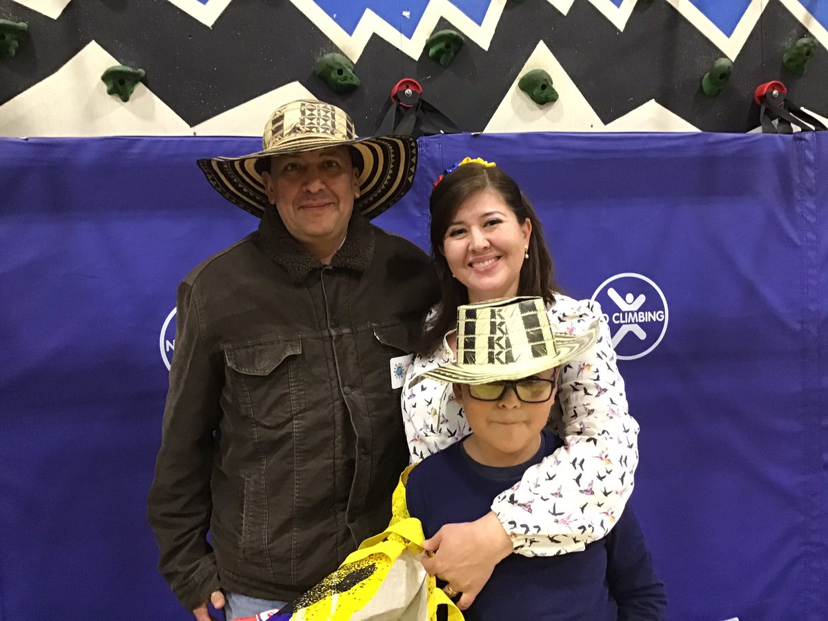 Multicultural Night is a family affair <a target='_blank' href='http://twitter.com/GlebeAPS'>@GlebeAPS</a> <a target='_blank' href='http://twitter.com/glebepta'>@glebepta</a> <a target='_blank' href='http://twitter.com/APSVirginia'>@APSVirginia</a> <a target='_blank' href='http://twitter.com/APSsocstudies'>@APSsocstudies</a> <a target='_blank' href='http://search.twitter.com/search?q=GlebeEagles'><a target='_blank' href='https://twitter.com/hashtag/GlebeEagles?src=hash'>#GlebeEagles</a></a> <a target='_blank' href='https://t.co/gR2jCzEtoP'>https://t.co/gR2jCzEtoP</a>