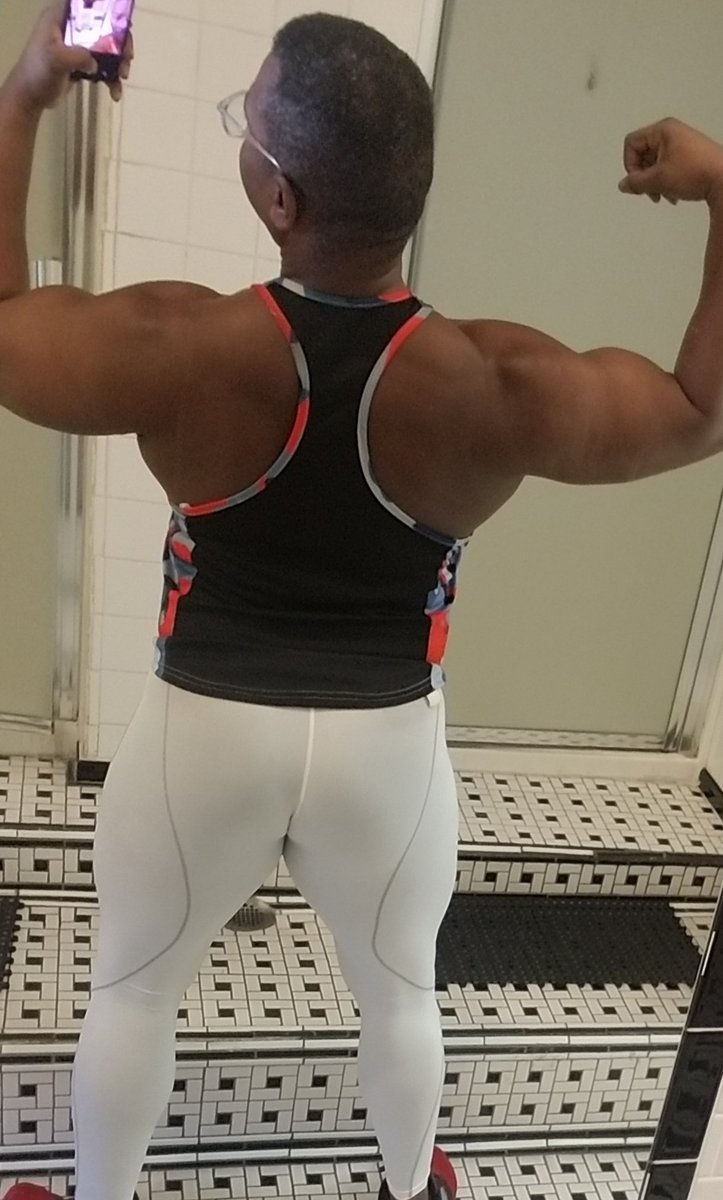Although I  was tired I fas a explosive and extremely good back day.  #muscle  #Bodybuilder  #gear  #spandex  #tights  #gymrat  #bodybuilding  #back  #lats  #delts  #Bodybuilder